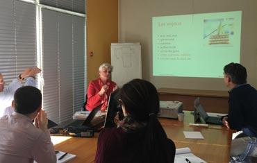 Pascale Bégat anime une formation sur les réseaux sociaux pour les pros.